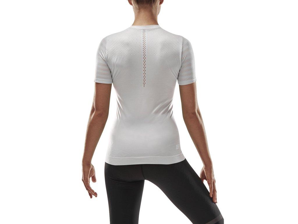 Run Ultralight Shirt SS sky w front model 1536x1536px