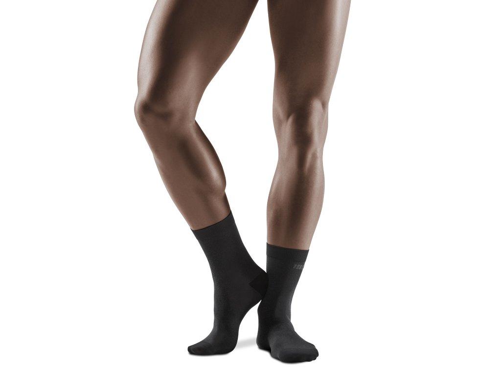 Business Mid Cut Socks black m front model 1536x1536px
