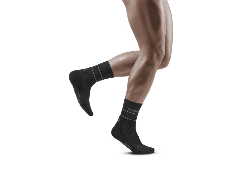 Reflective Mid Cut Socks black m front model 1536x1536px