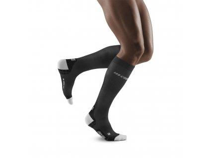 Run Ultralight Socks black lightgrey m front model 1536x1536px