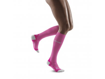 Run Ultralight Socks electricpink lightgrey w front model 1536x1536px