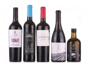 sada vín a olivového oleje ke steakům