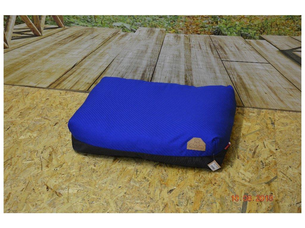 Cerino Pelech Ancona 70cm x 55cm x min 15cm zářivě modrá