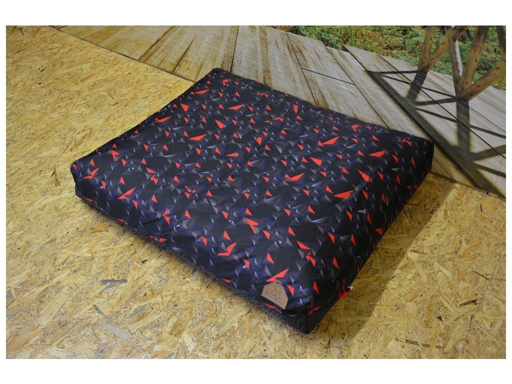 Cerino pelech ModenaC, 100x85x15,  trojúhelník červený,modrý