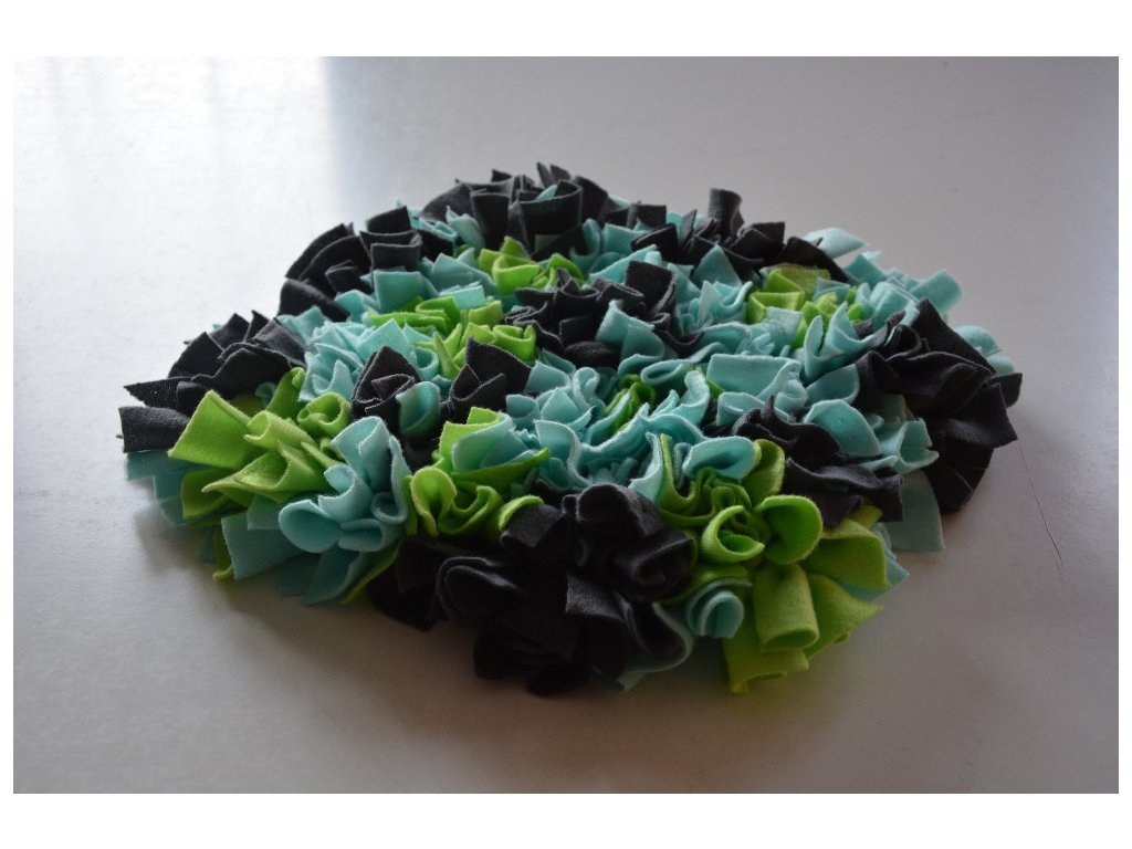 Cerino interaktivní hračka - Čmuchací kobereček 30x30 modrozelenošedý