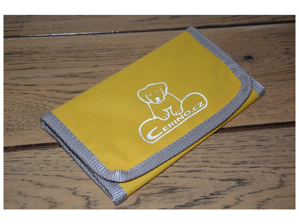 Peněženka s klíčenkou žlutá