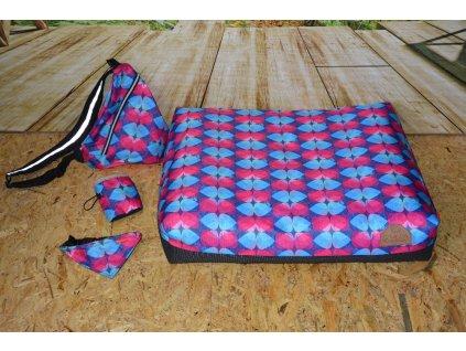 Cerino pelech ANCONA + batoh, pamlskovník, šátek VODĚODOLNÉ srdce