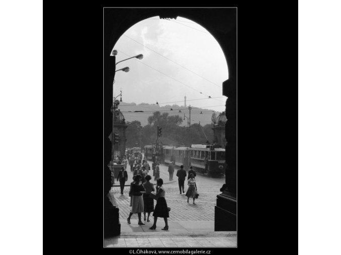 Křižovatka (785-1), žánry - Praha 1960 červenec, černobílý obraz, stará fotografie, prodej