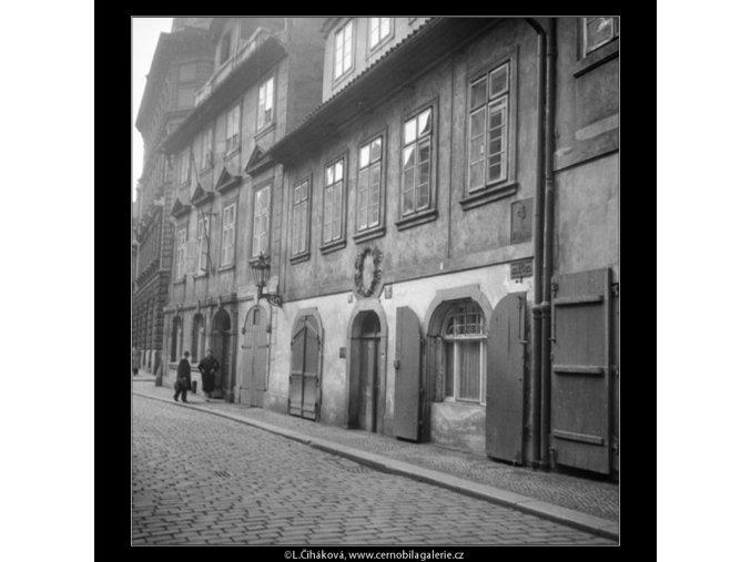Rodný dům E.Vojana (571-3), Praha 1958 , černobílý obraz, stará fotografie, prodej