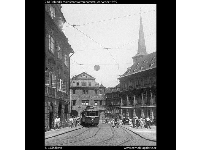 Pohled k Malostranskému náměstí (213), Praha 1959 červenec, černobílý obraz, stará fotografie, prodej