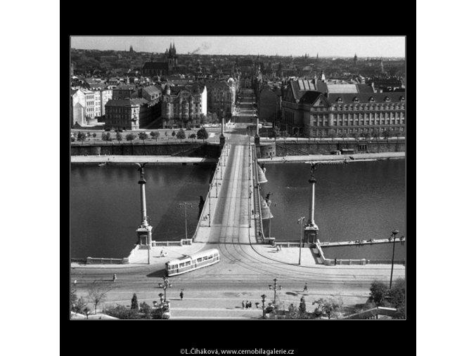 Pohled na Čechův most (259-2), Praha 1959 září, černobílý obraz, stará fotografie, prodej