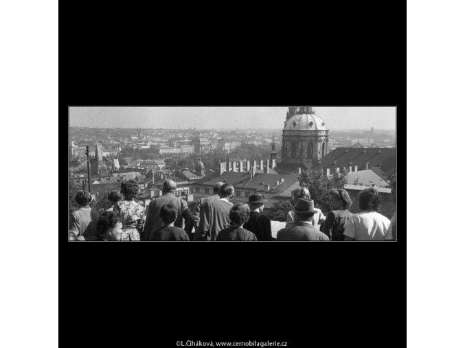 Pohled na chrám sv.Mikuláše (266-4), Praha 1959 , černobílý obraz, stará fotografie, prodej