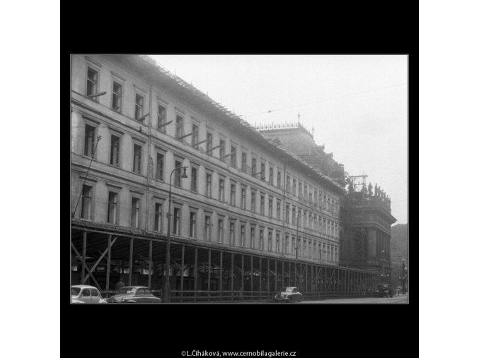 Chourovy domy (267-1), Praha 1959 srpen, černobílý obraz, stará fotografie, prodej