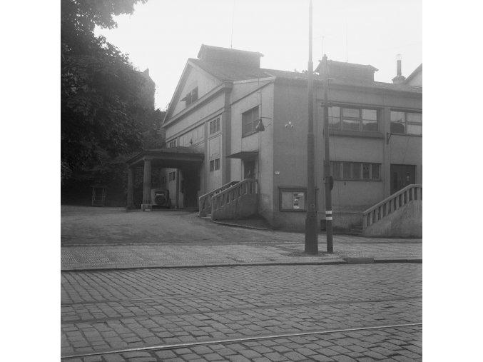 Divadlo na Fidlovačce (281-1), Praha 1959 srpen, černobílý obraz, stará fotografie, prodej