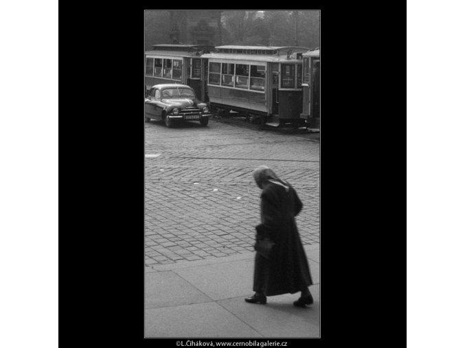 Křižovatka u Národního divadla (353), Praha 1959 léto, černobílý obraz, stará fotografie, prodej