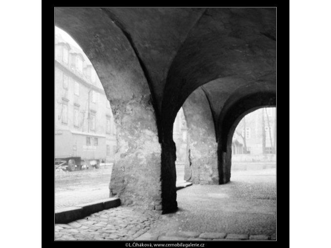 Podloubí (729), Praha 1959 , černobílý obraz, stará fotografie, prodej