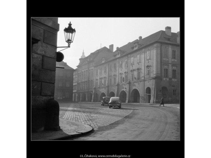 Valdštejnské náměstí (742-2), Praha 1959 , černobílý obraz, stará fotografie, prodej