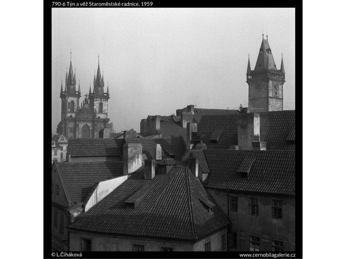 Týn a věž Staroměstské radnice (790-6), Praha 1959 , černobílý obraz, stará fotografie, prodej