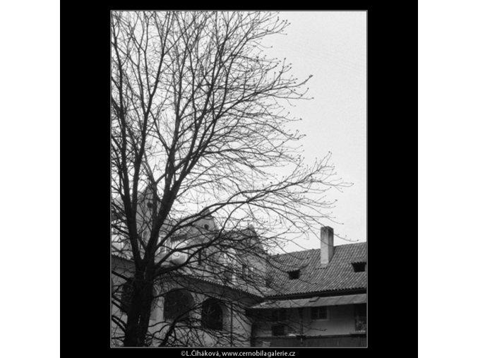 Malostranský špitál (527), Praha 1960 březen, černobílý obraz, stará fotografie, prodej