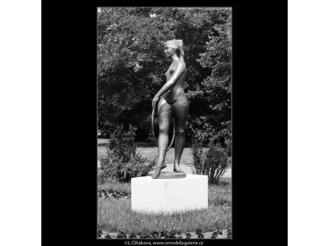 Radostné mládí (635-3), Praha 1960 červen, černobílý obraz, stará fotografie, prodej