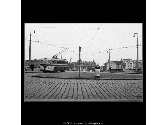 Jiráskův most (639-2), Praha 1960 červen, černobílý obraz, stará fotografie, prodej