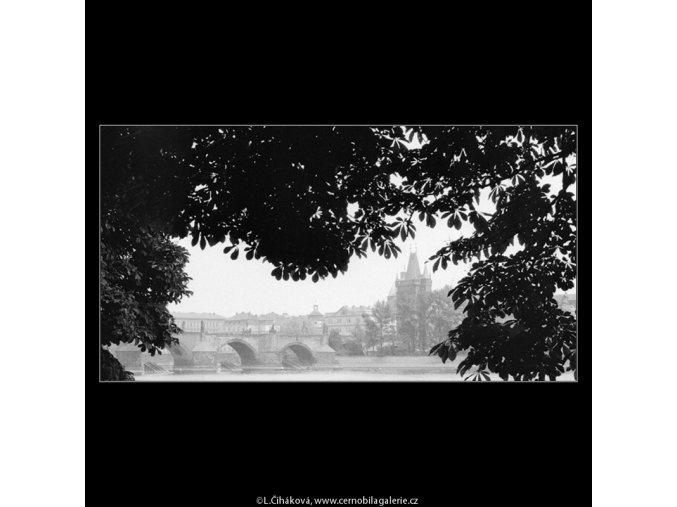 Karlův most (643), Praha 1960 květen, černobílý obraz, stará fotografie, prodej