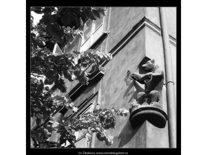 U Černého medvěda (645), Praha 1960 červen, černobílý obraz, stará fotografie, prodej