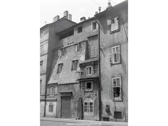 Zbytek oujezdské brány (662), Praha 1960 červen, černobílý obraz, stará fotografie, prodej