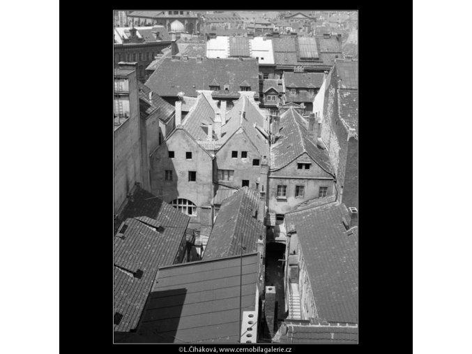 Střechy (766-1), Praha 1960 červenec, černobílý obraz, stará fotografie, prodej
