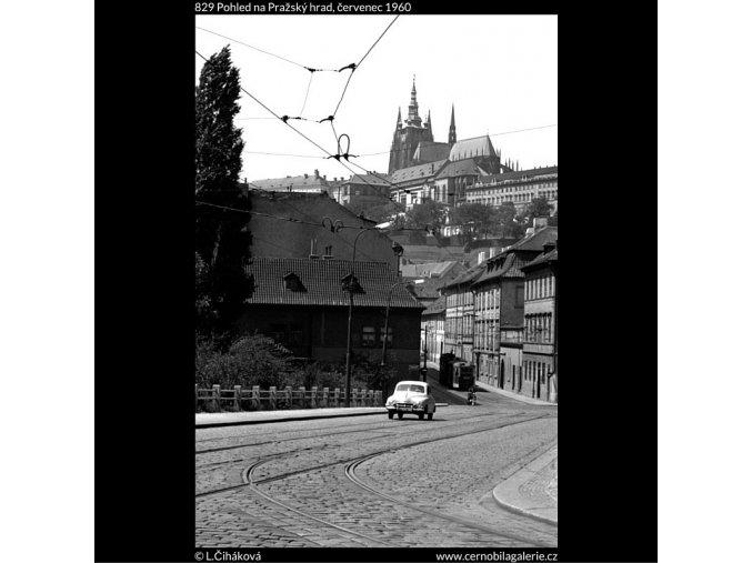 Pohled na Pražský hrad (829), Praha 1960 červenec, černobílý obraz, stará fotografie, prodej
