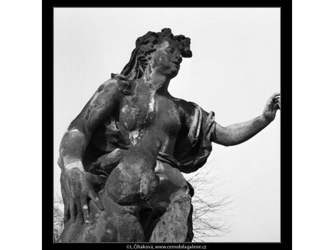 Socha z Vrtbovské zahrady (979-1), Praha 1959 , černobílý obraz, stará fotografie, prodej