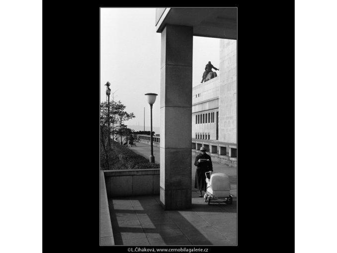Národní památník (977), Praha 1960 listopad, černobílý obraz, stará fotografie, prodej