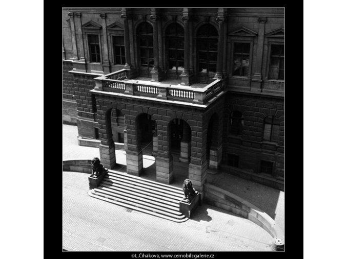Postranní schodiště (861-2), Praha 1960 srpen, černobílý obraz, stará fotografie, prodej
