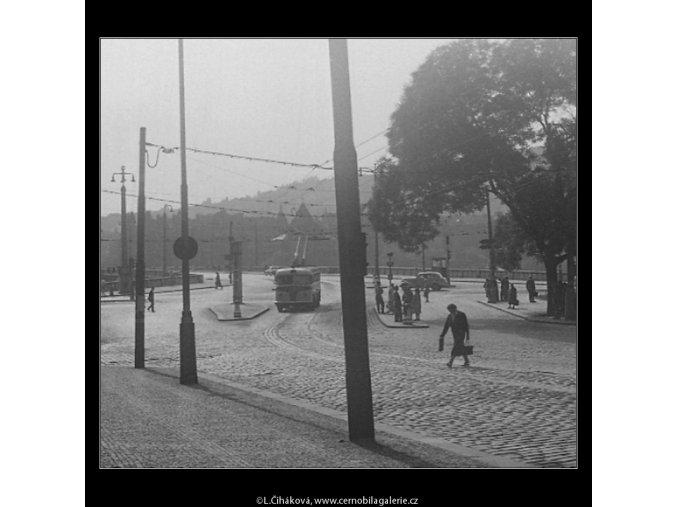 Křižovatka (718), žánry - Praha 1959 , černobílý obraz, stará fotografie, prodej