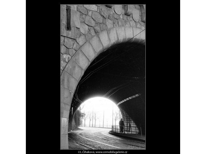 Tunel pod Vyšehradem (1018-22), žánry - Praha 1960 prosinec, černobílý obraz, stará fotografie, prodej