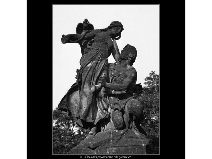 Sousoší J.V.Myslbeka (1171-2), Praha 1961 červen, černobílý obraz, stará fotografie, prodej
