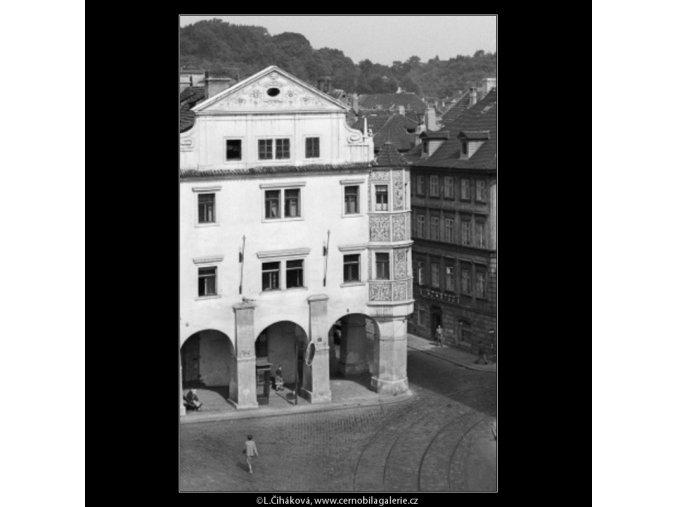Rohový dům a věž (1262-2), Praha 1961 leden, černobílý obraz, stará fotografie, prodej