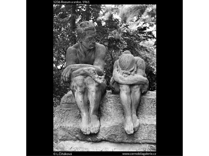 Rozum a srdce (1236), Praha 1961 , černobílý obraz, stará fotografie, prodej