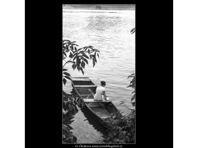 U vody (1335-1), žánry - Praha 1961 léto, černobílý obraz, stará fotografie, prodej