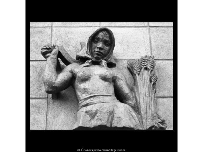 Znamení panny (1326-2), Praha 1961 léto, černobílý obraz, stará fotografie, prodej
