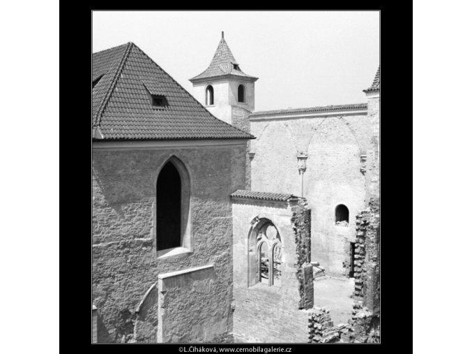 Anežský klášter (1327-1), Praha 1961 jaro, černobílý obraz, stará fotografie, prodej