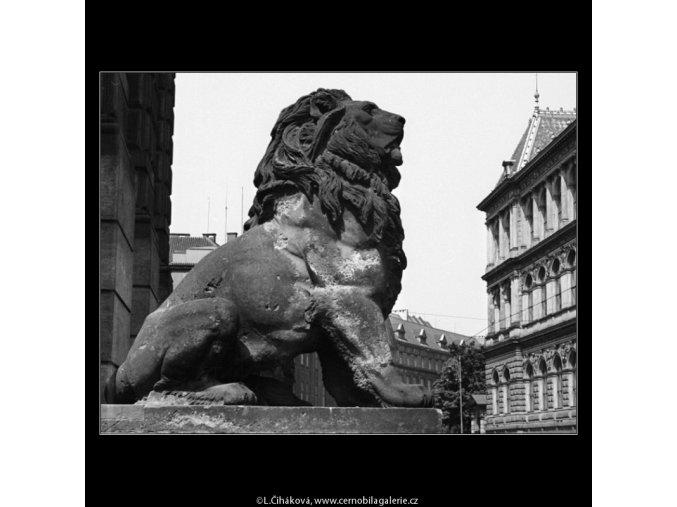 Sedící lev (1384), Praha 1961 , černobílý obraz, stará fotografie, prodej