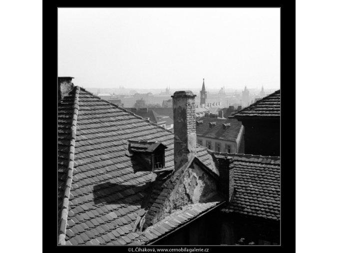 Malostranské střechy (1363-2), Praha 1961 , černobílý obraz, stará fotografie, prodej