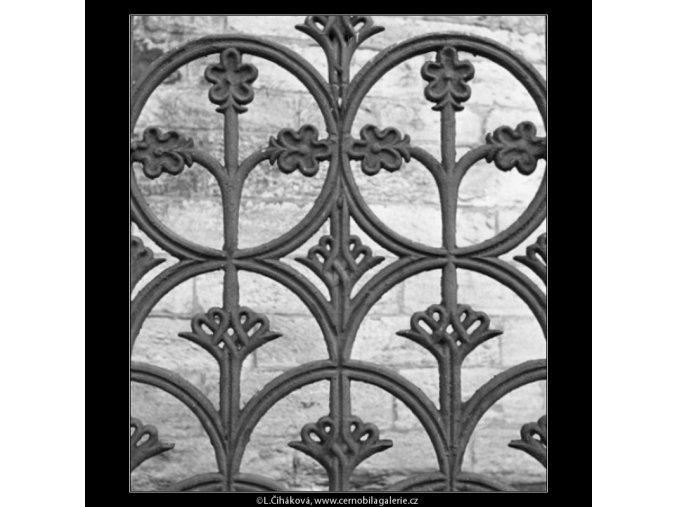Litinová mříž (1470), Praha 1962 únor, černobílý obraz, stará fotografie, prodej