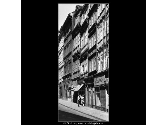 Mostecká ulice (1570), Praha 1962 duben, černobílý obraz, stará fotografie, prodej