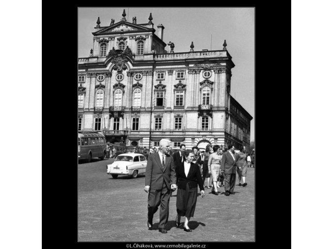 Hradčanské náměstí (1618), Praha 1962 květen, černobílý obraz, stará fotografie, prodej