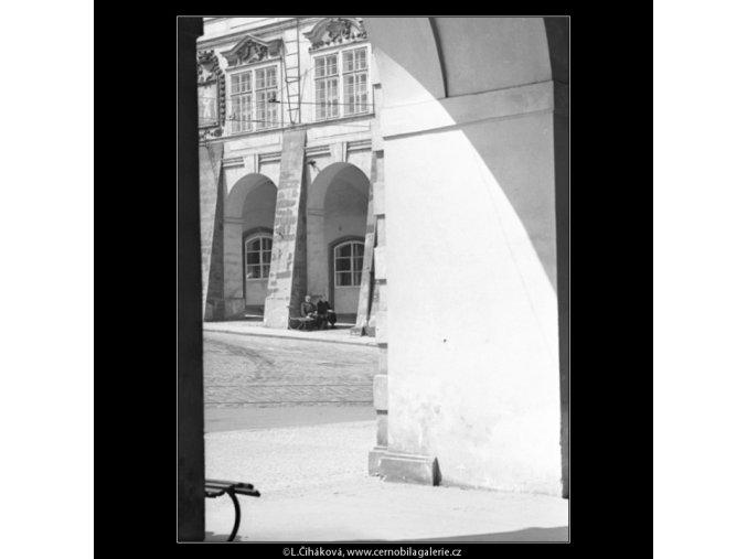Z Malostranského náměstí (1647), Praha 1962 červen, černobílý obraz, stará fotografie, prodej