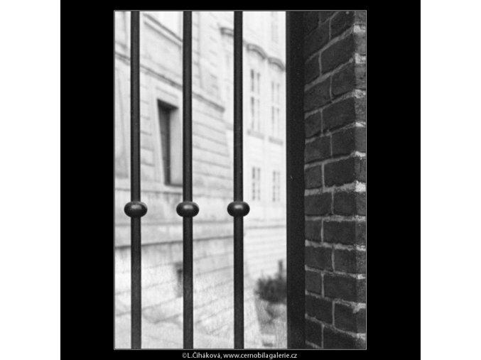 Mříže do Rajské zahrady (1890), Praha 1962 , černobílý obraz, stará fotografie, prodej