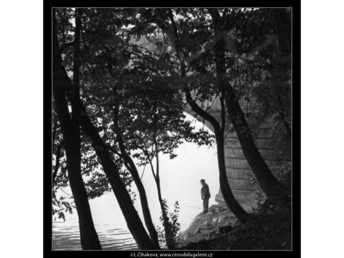 Rybář s fajfkou (1862), žánry - Praha 1962 říjen, černobílý obraz, stará fotografie, prodej