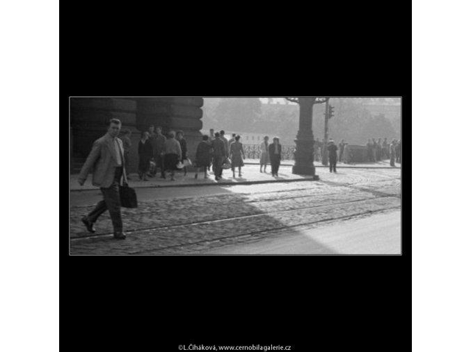 U Národního divadla (1947), žánry - Praha 1962 léto, černobílý obraz, stará fotografie, prodej